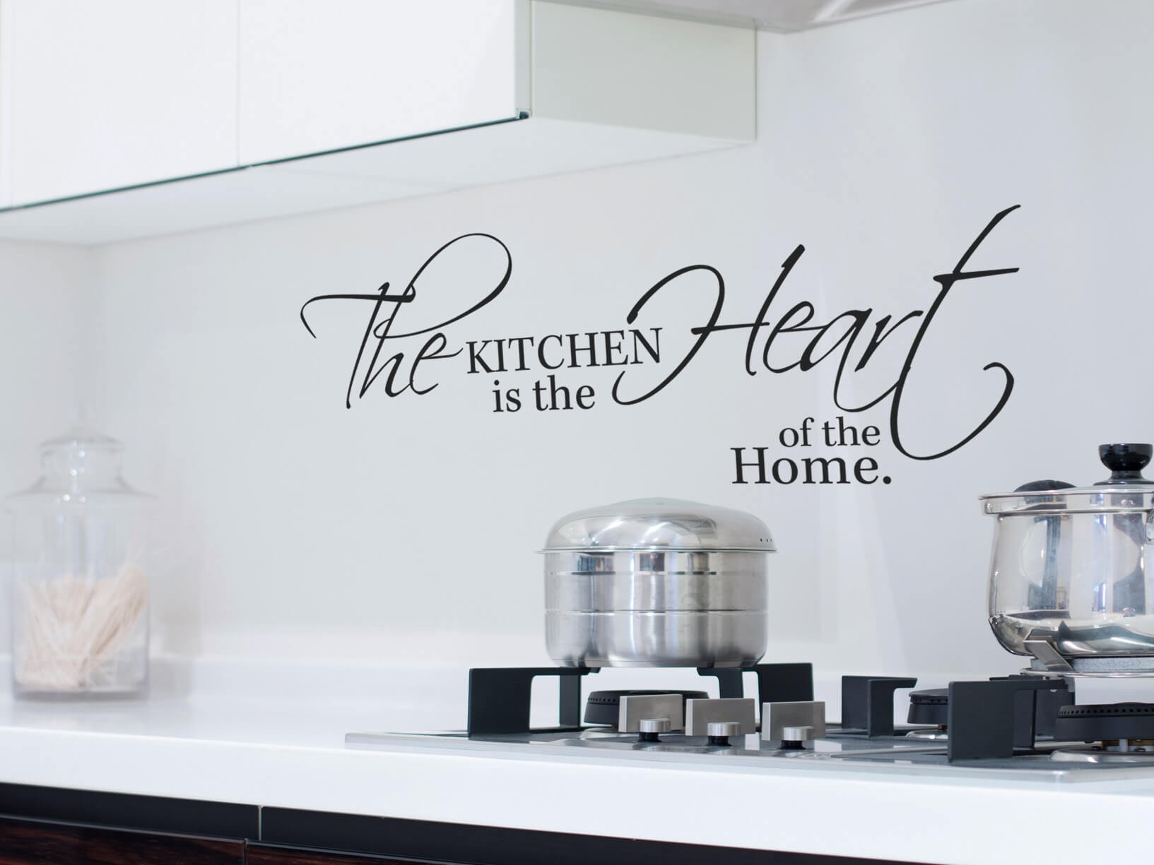 "Muursticker ""The kitchen is the heart of the home"""