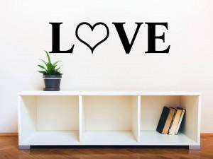 """Muursticker """"Love"""" met hart"""
